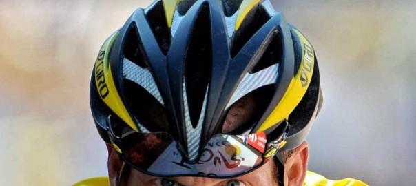 """Bokanmeldelse: """"Lanced: The Shaming of Lance Armstrong"""" av David Walsh, Paul Kimmage og John Follain"""