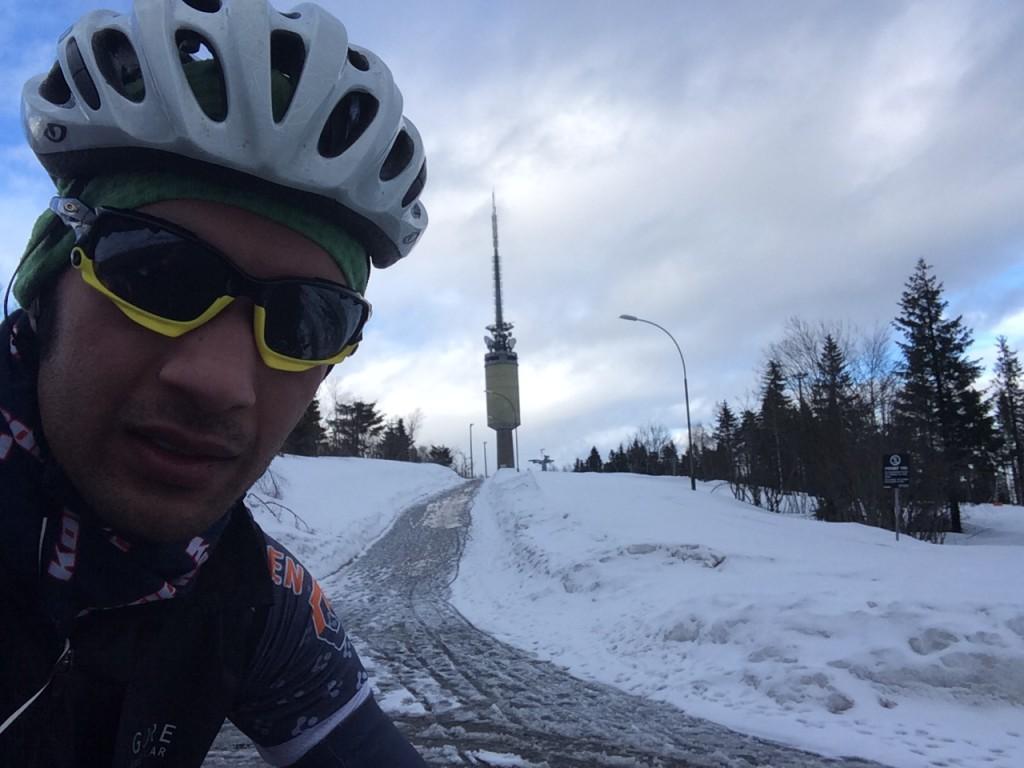 Tryvann på 19:55 på årets første forsøk med racersykkel (http://www.strava.com/activities/123290505#2759862564). Digg!