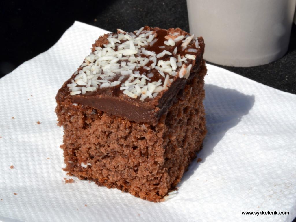 I Lågendalsrittet vanker det sjokoladekake til alle ved målgang. Det motiverte meg gående de siste par kilometrene!