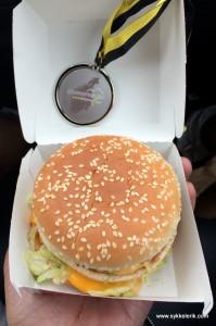 Uten mat og drikke duger matvraket ikke. Etter målgang gikk det sporenstreks til nærmeste McD hvor 2x Big Mac gikk ned på høykant.