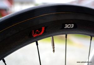 Selv om jeg ikke har prøvd veldig mange hjulsett - Zipp 303 er det beste jeg har syklet på. Til Lillehammer-Oslo 2014 ble det likevel CX-sykkel med alu-ramme og skivebremser...