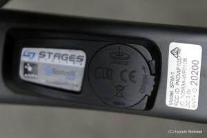 Batterilokket på Stages er av plast og flere melder om at den er skjør. Er man forsiktig bør det imidlertid ikke være et problem.