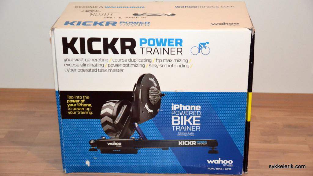 Wahoo Kickr leveres i en svær eske, naturlig nok.