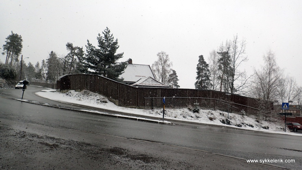 Første sving - med mulighet til å stikke ned til venstre mot Bogstad om beina er råtne.