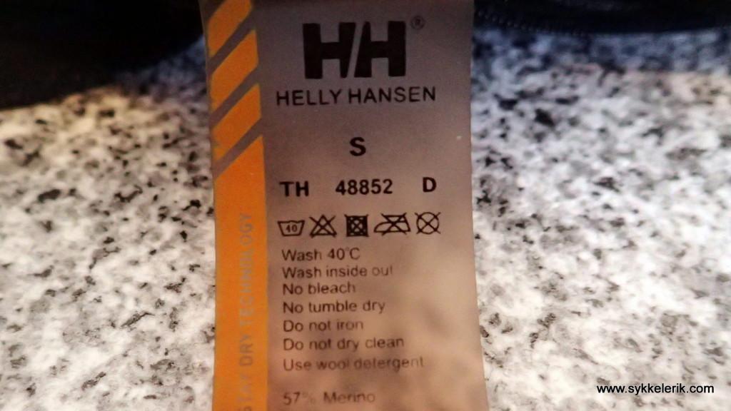 HH-ullgenseren skal vaskes på 40 grader. Det har imidlertid ikke reddet den fra å opparbeide en lukt som ville skremt selv den sultneste ulv eller bjørn unna.