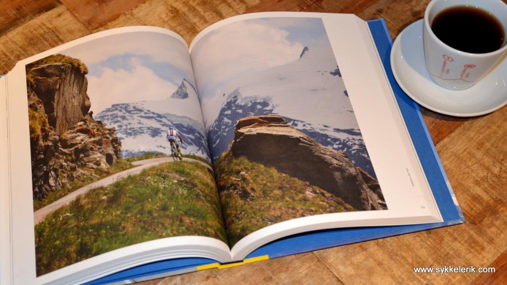 """""""Drømmenes Fjell"""" er rikt illustrert med store, flotte bilder på god papirkvalitet."""