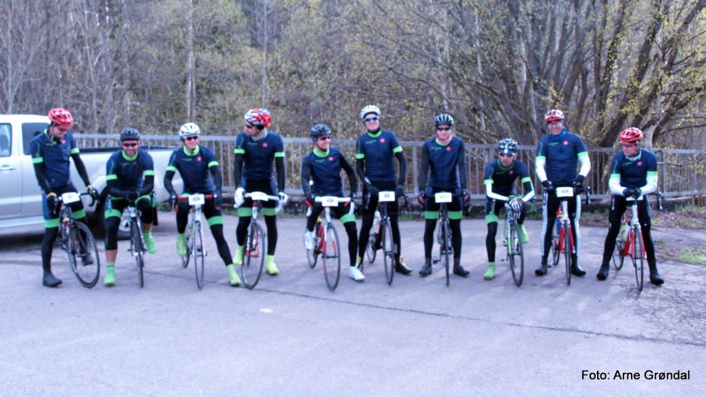 Tryvann CK stilte med 10 mann på Enebakk Rundt, og startet med 2:15 som en akseptabel målsetning.