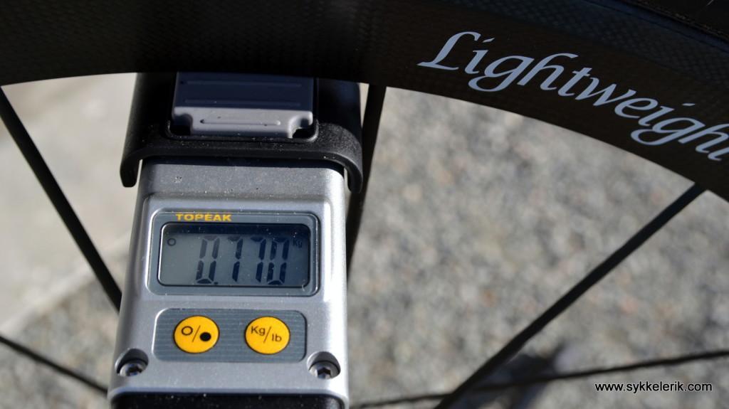 Lightweight Meilenstein fremhjul inkl hurtigkobling og dekk veier 770 gram.
