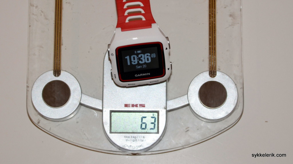 Garmin Forerunner 920XT veier 63 gram.