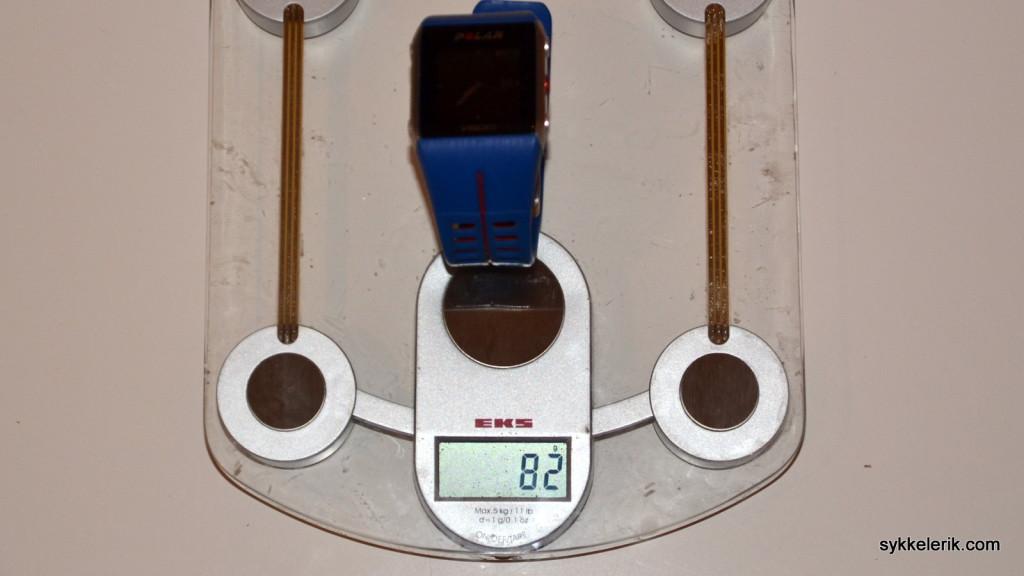 Polar V800 veier 82 gram.