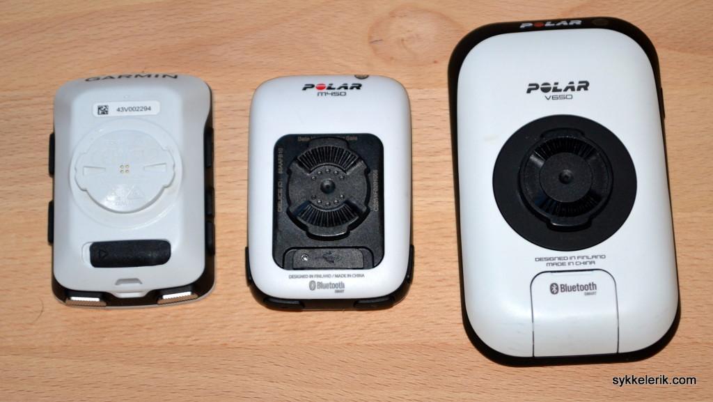 Garmin Edge 510, Polar M450 og Polar V650 sett fra undersiden. Polar og Garmins festemekanismer er ulike.