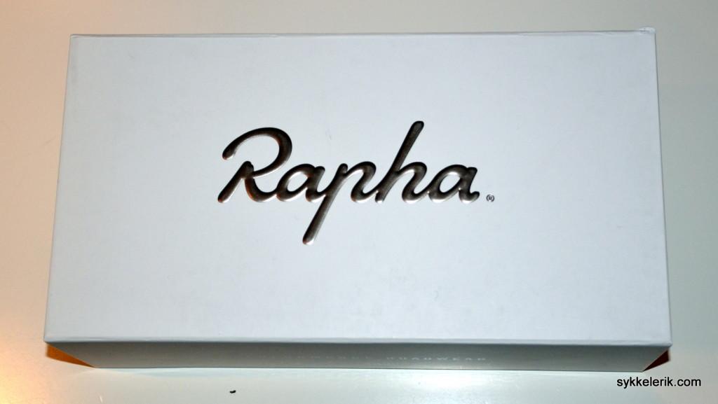 Rapha Climber's Shoes - unboxing. Til og med skoesken er ekstremt forseggjort.