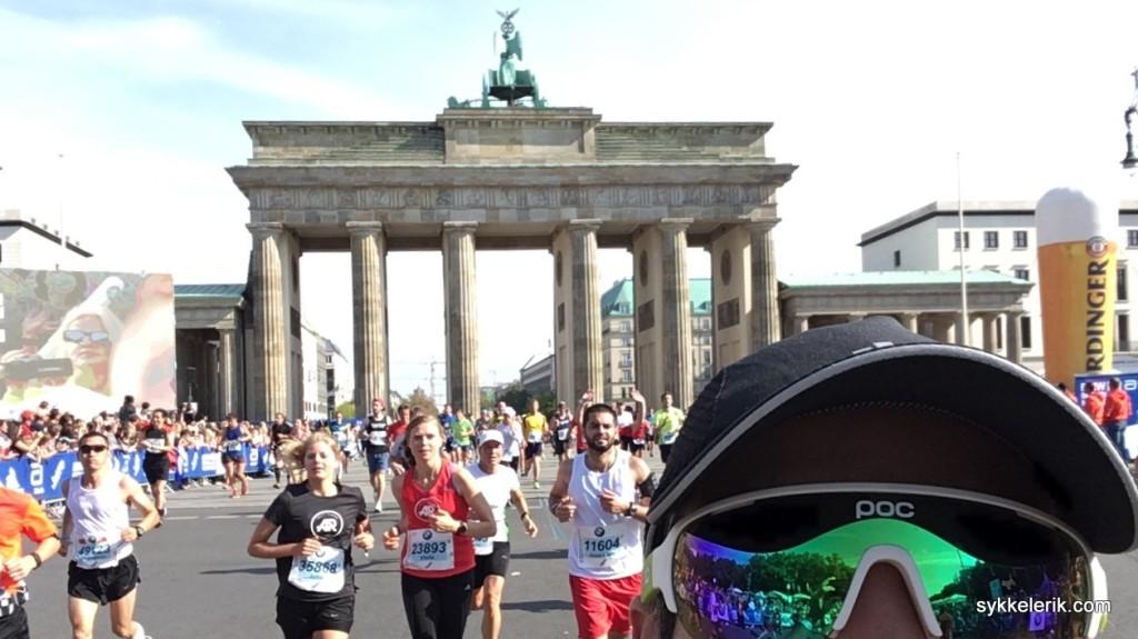 Brandenburger Tor er passert, og det er kun noen få meter igjen til målgang.